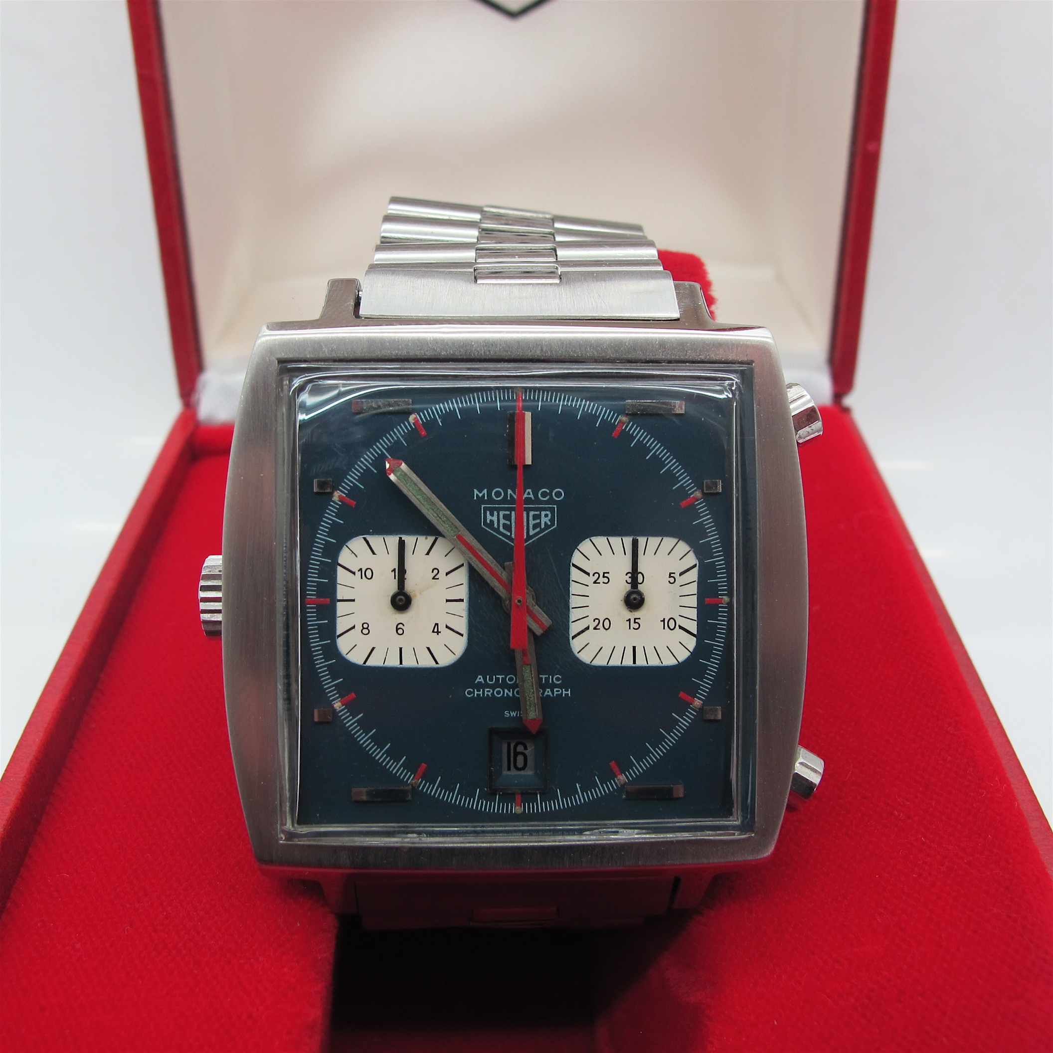 heuer monaco steve mcqueen vintage heuer. Black Bedroom Furniture Sets. Home Design Ideas